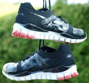 sneakers-332127_1920